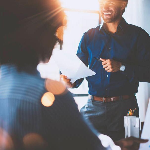 Programas de comunicación no violenta y eficaz, gestión del tiempo, gestión de conflictos, liderazgo positivo etc.
