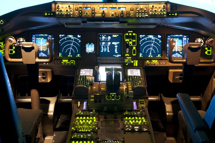 Cockpit_Mod1.jpg