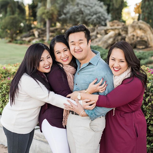 Family photo day = the only day out the year we actually show physical affection aka hug. 🙈  In all seriousness, the older I get, the more grateful I am to have siblings. Also, the people they married (bonus siblings) aren't half bad. 😆  Happy National Siblings Day!