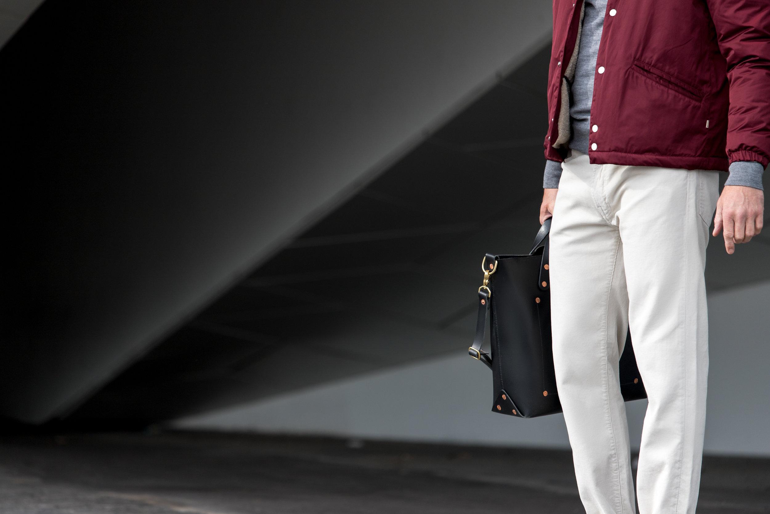 Bag: Dyemond Goods Leather bag //Jacket:  Bellerose LOWF jacket // Top:  Dilor knitted turtle neck //Pants:  Bellerose Peeg corduroy