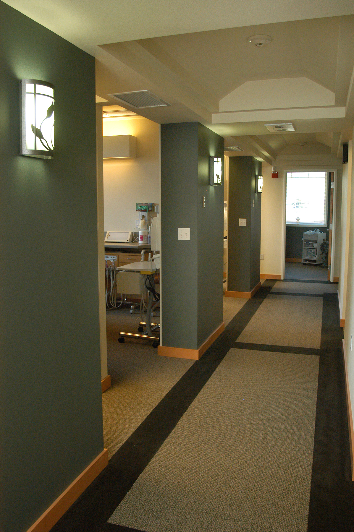 Henneman&Layer Hall DSC_7602web.jpg