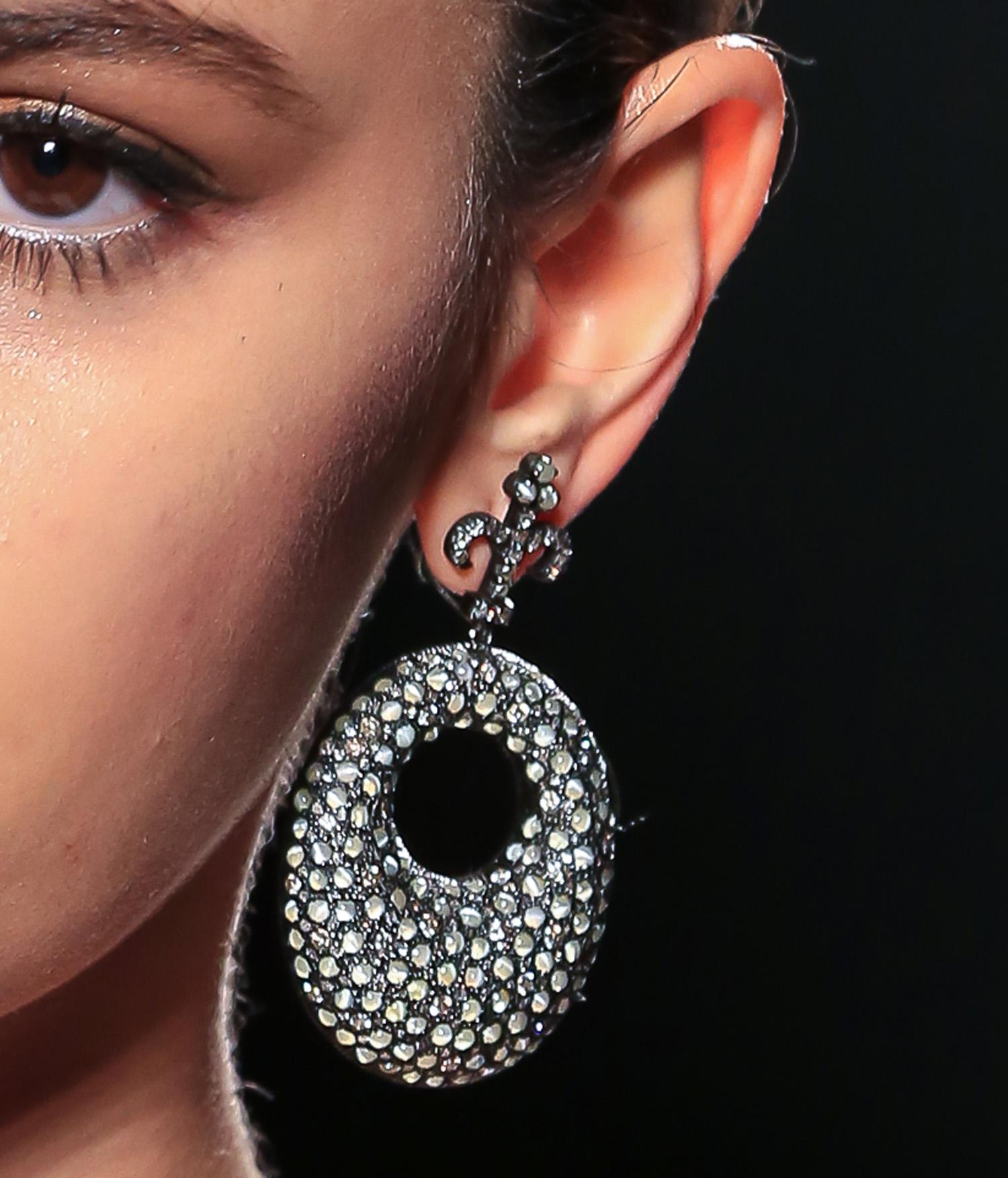 beauty_model_earring-2.jpg