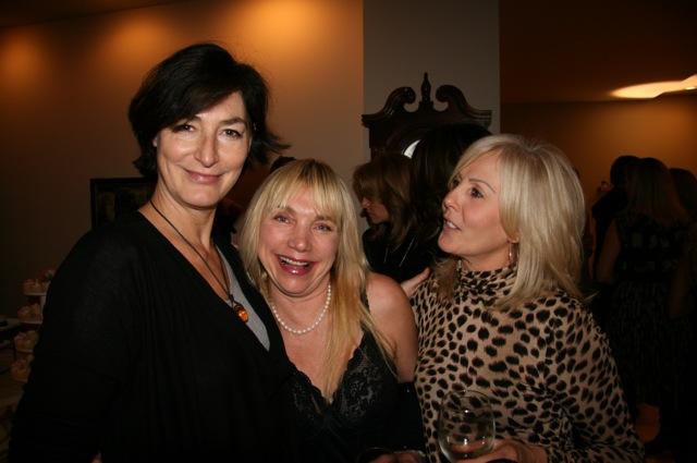 Liz Tracy and Carole mugging!