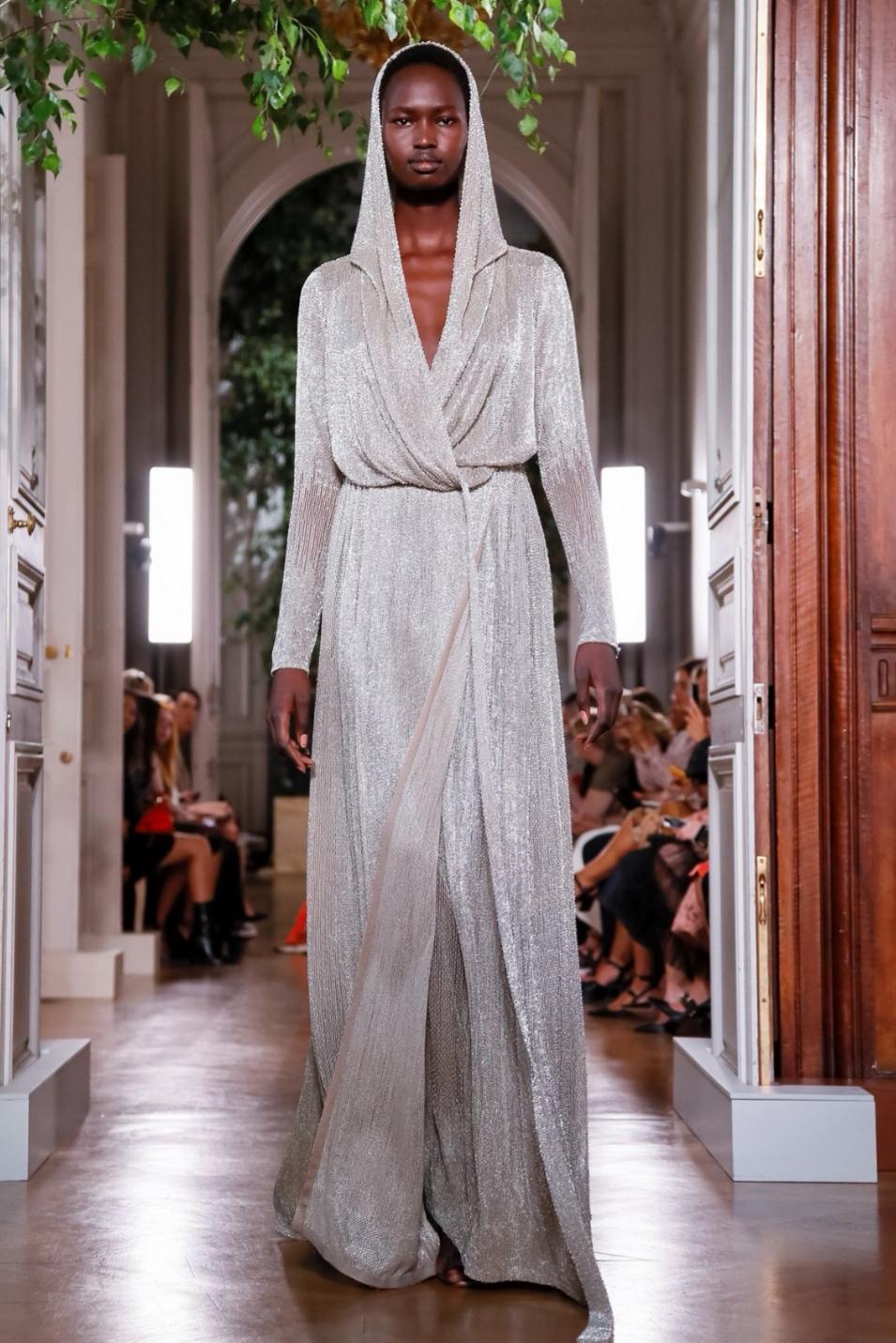 Valentino Haute Couture Autumn/Winter 2019  Image source:  Show Studio