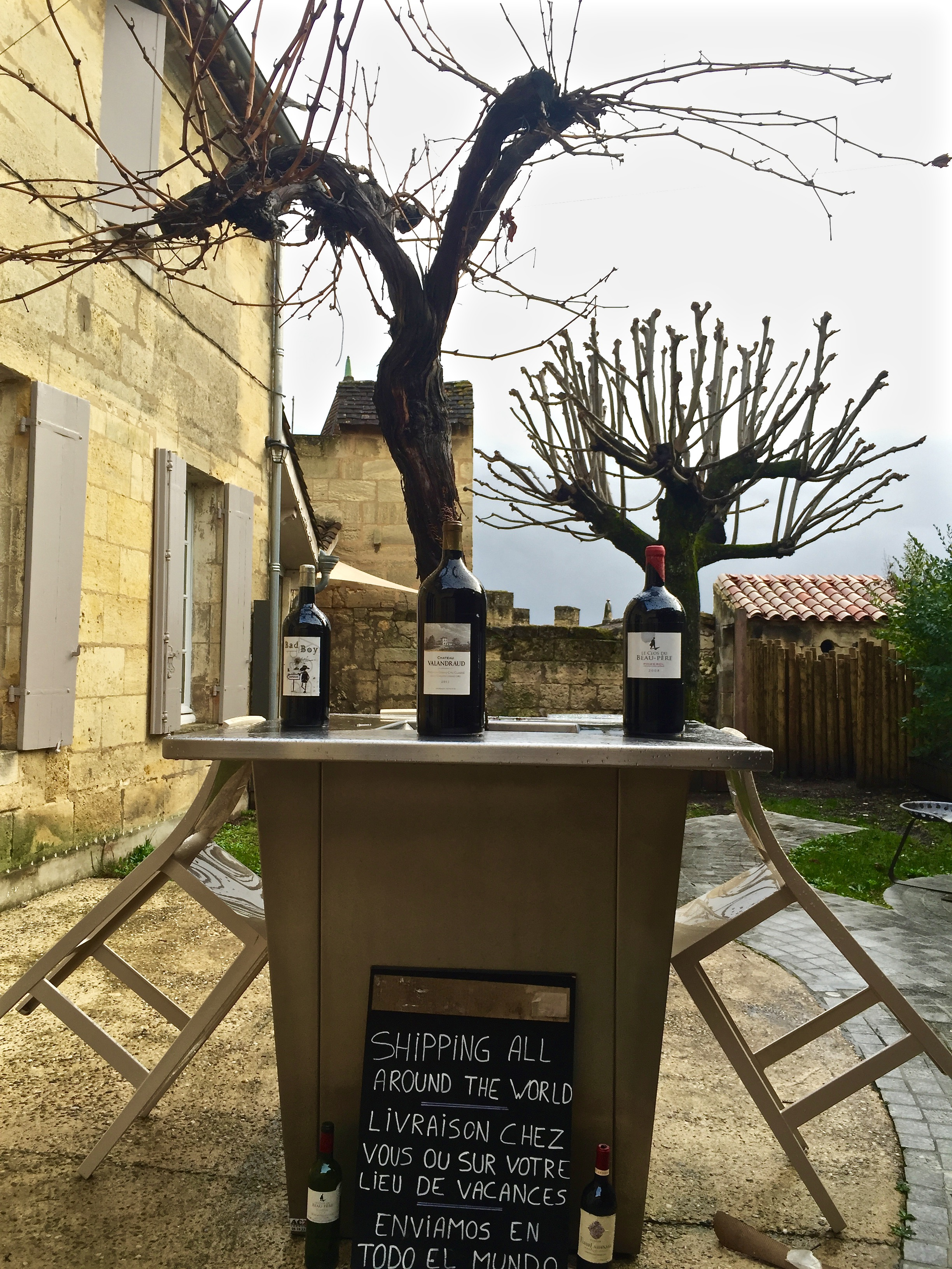 One of the many wine shops in St. Emilion.