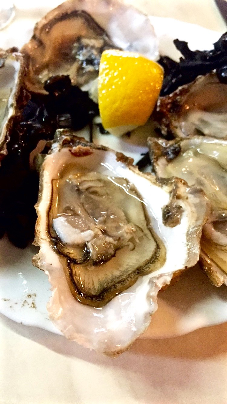 Oyster plate at Chez Jean Mi.