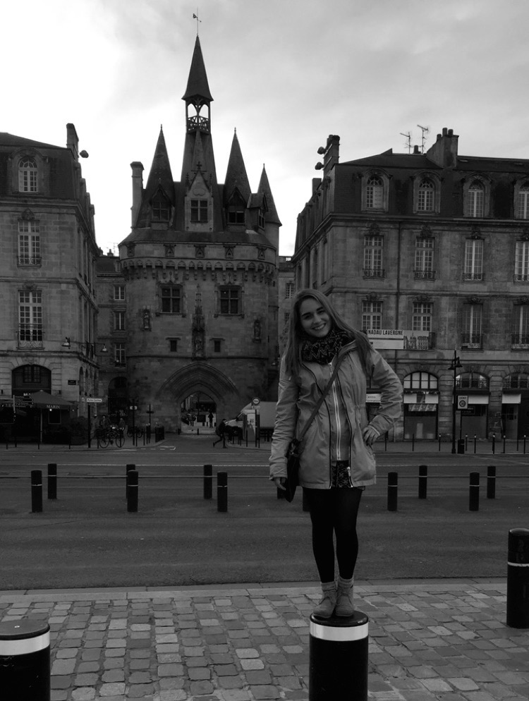 In front of Porte Cailhau