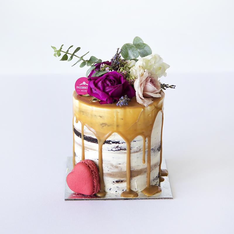 """4"""" Custom Valentine's Cake"""