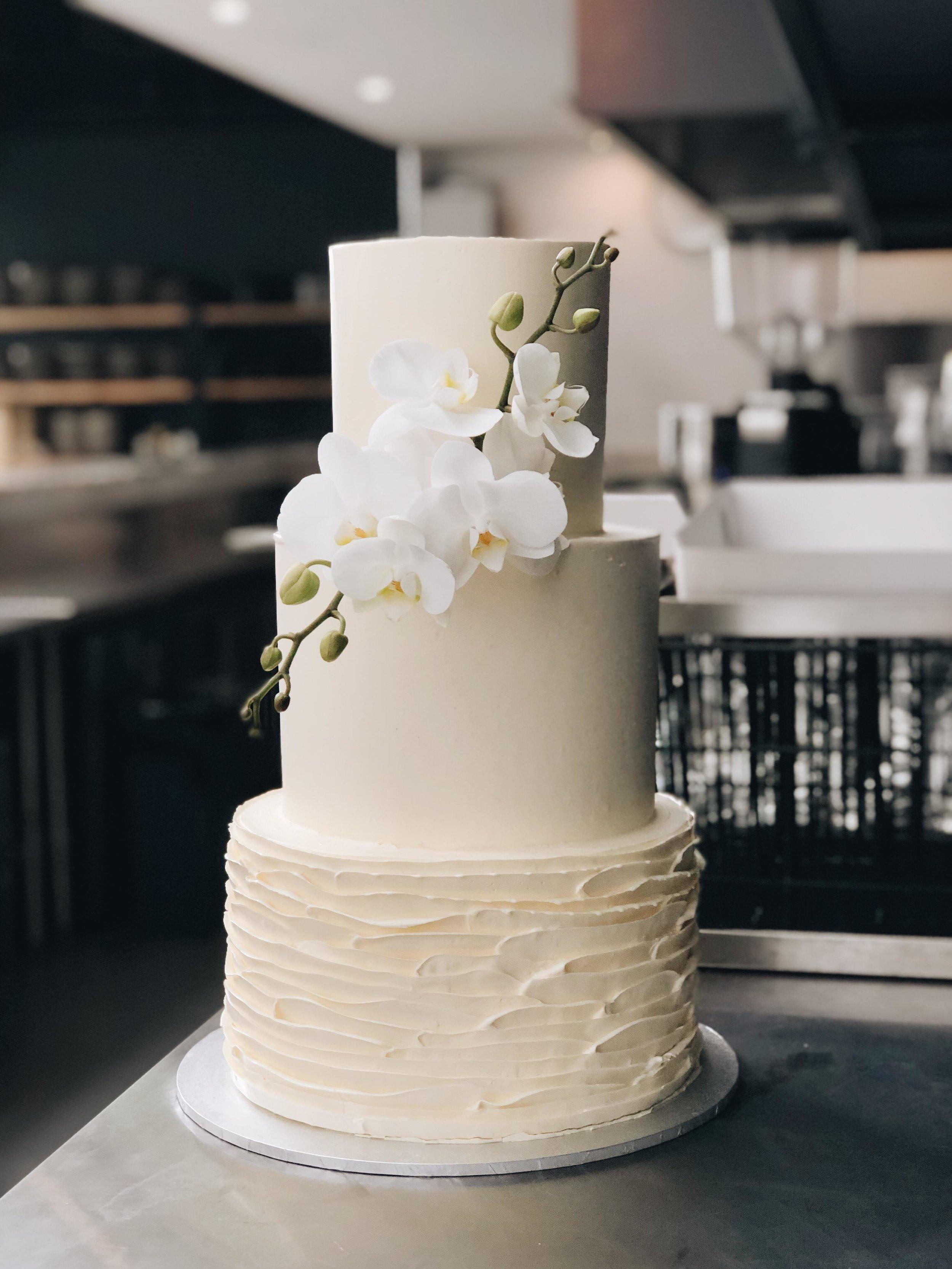 3 Tier Classic Elegant Wedding Custom Passiontree Velvet Cake