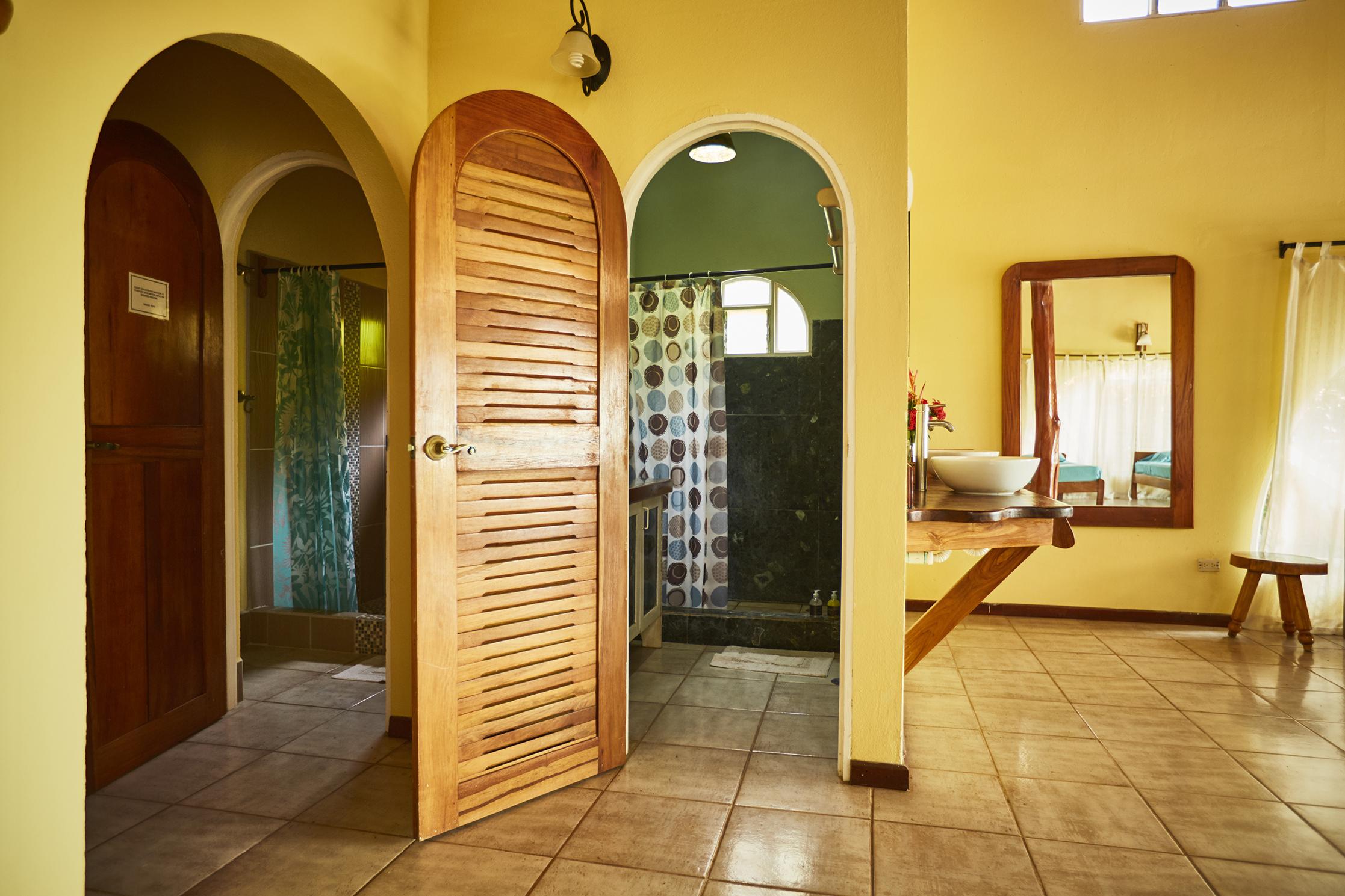 mono bathroom.jpg