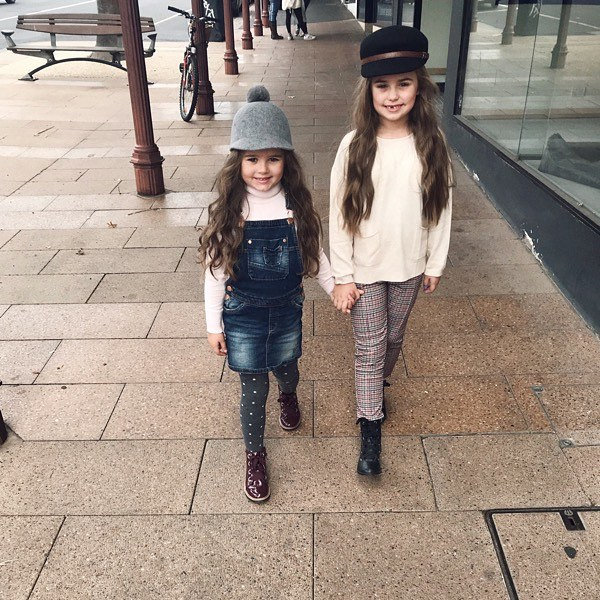 Winter is looking pretty cute! 👭 Love that they still hold hands! ❤️ #winter #kidstyle #sisters #fashion