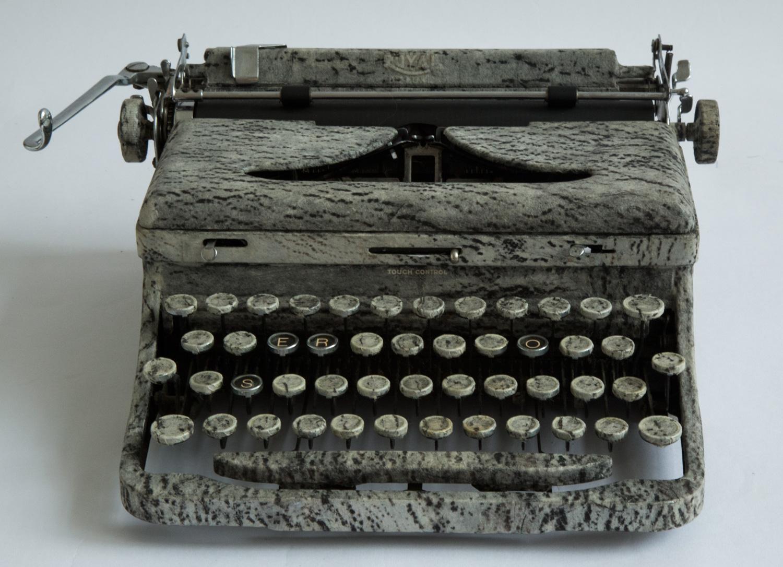 2000_typewriter_rose.jpg