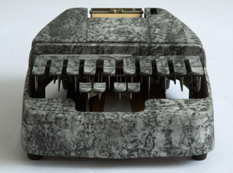 2001_typewriter_witness.jpg