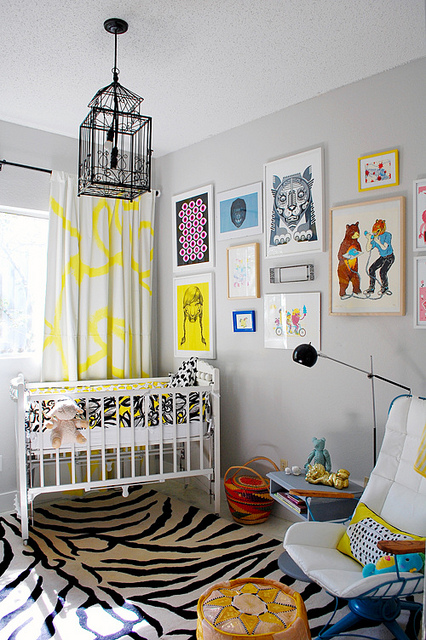One of my prints made it into a small childs room, and then onto an article on the interwebs! I'd love to know what the kid thinks about the relationship between the tiger-man on the phone and the bear holding the receiver.