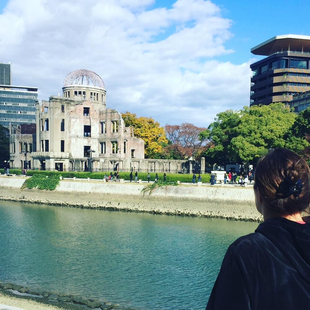 Vierailu Hiroshimassa vetää hiljaiseksi
