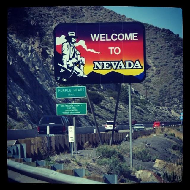 Matkalla Utahiin Nevadan halki.