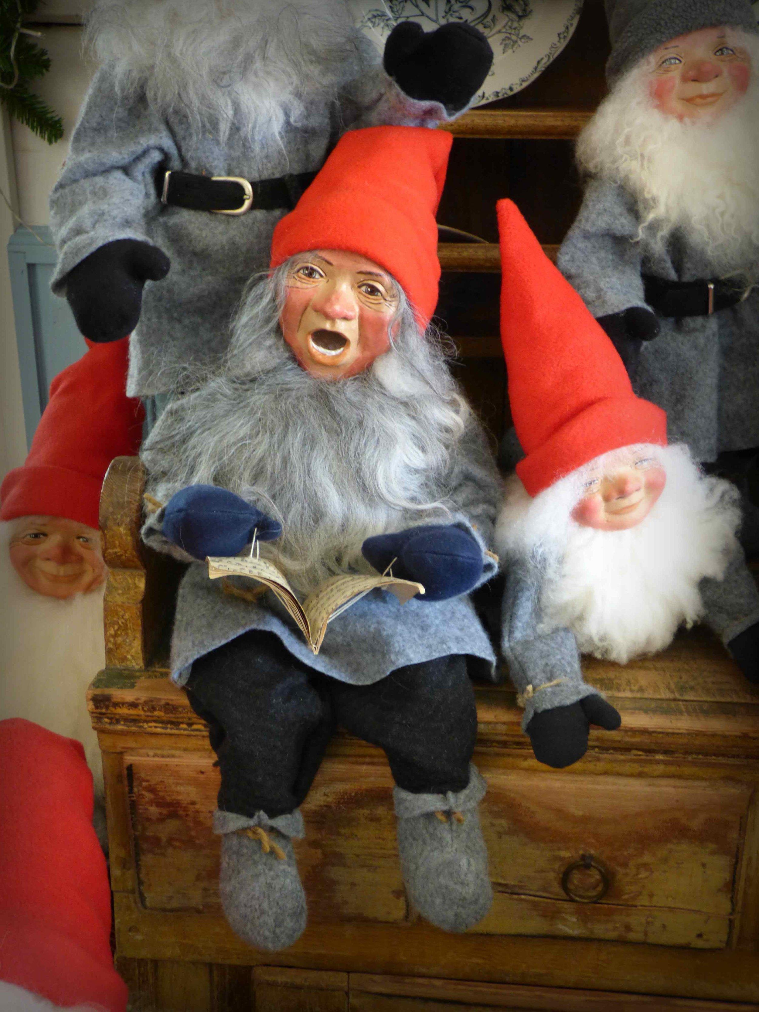 A singing elf
