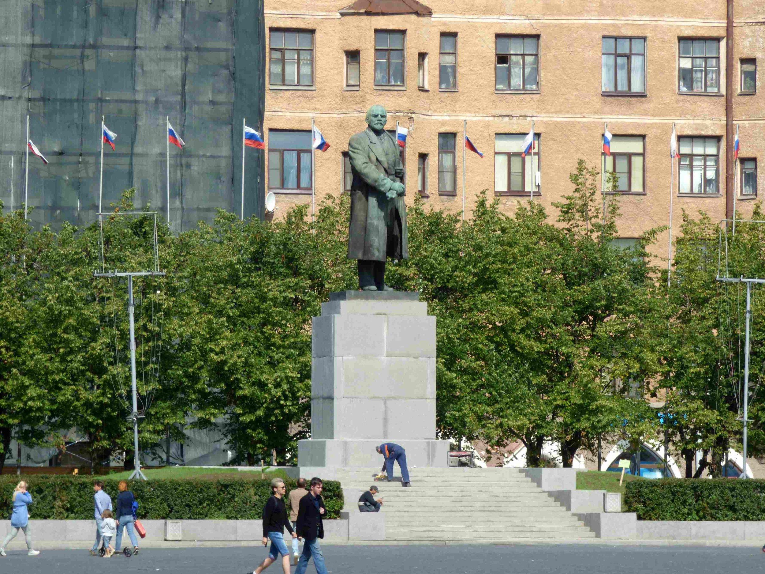 Punainen tori ja Leninin patsas