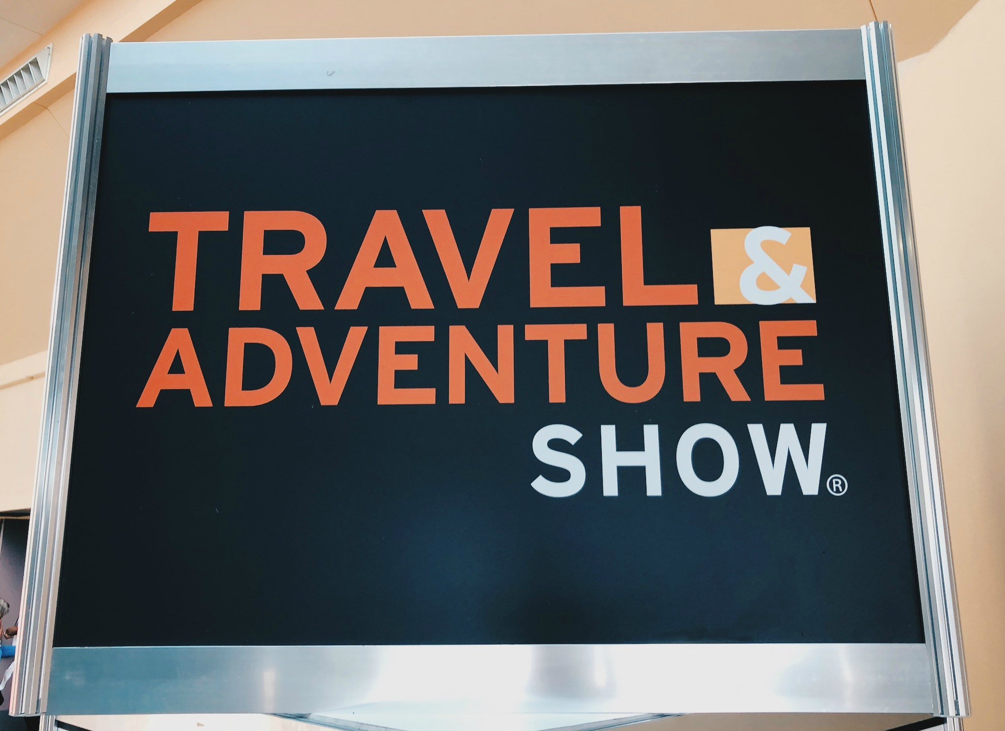 travel_show_sign.jpg