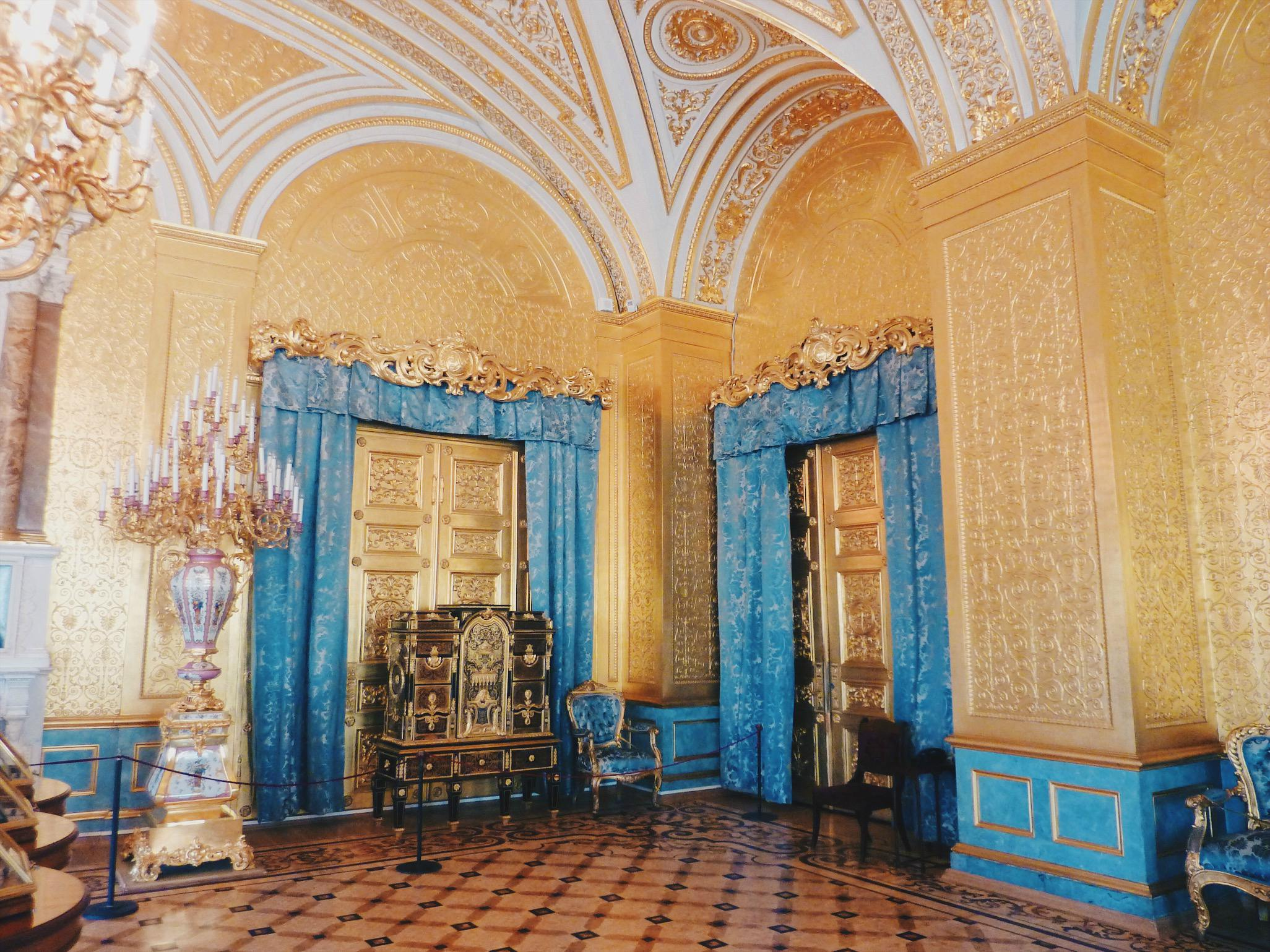 5 reasons to visit St. Peterburg in Russia during the spring, and this is one of them: The State Hermitage Museum.