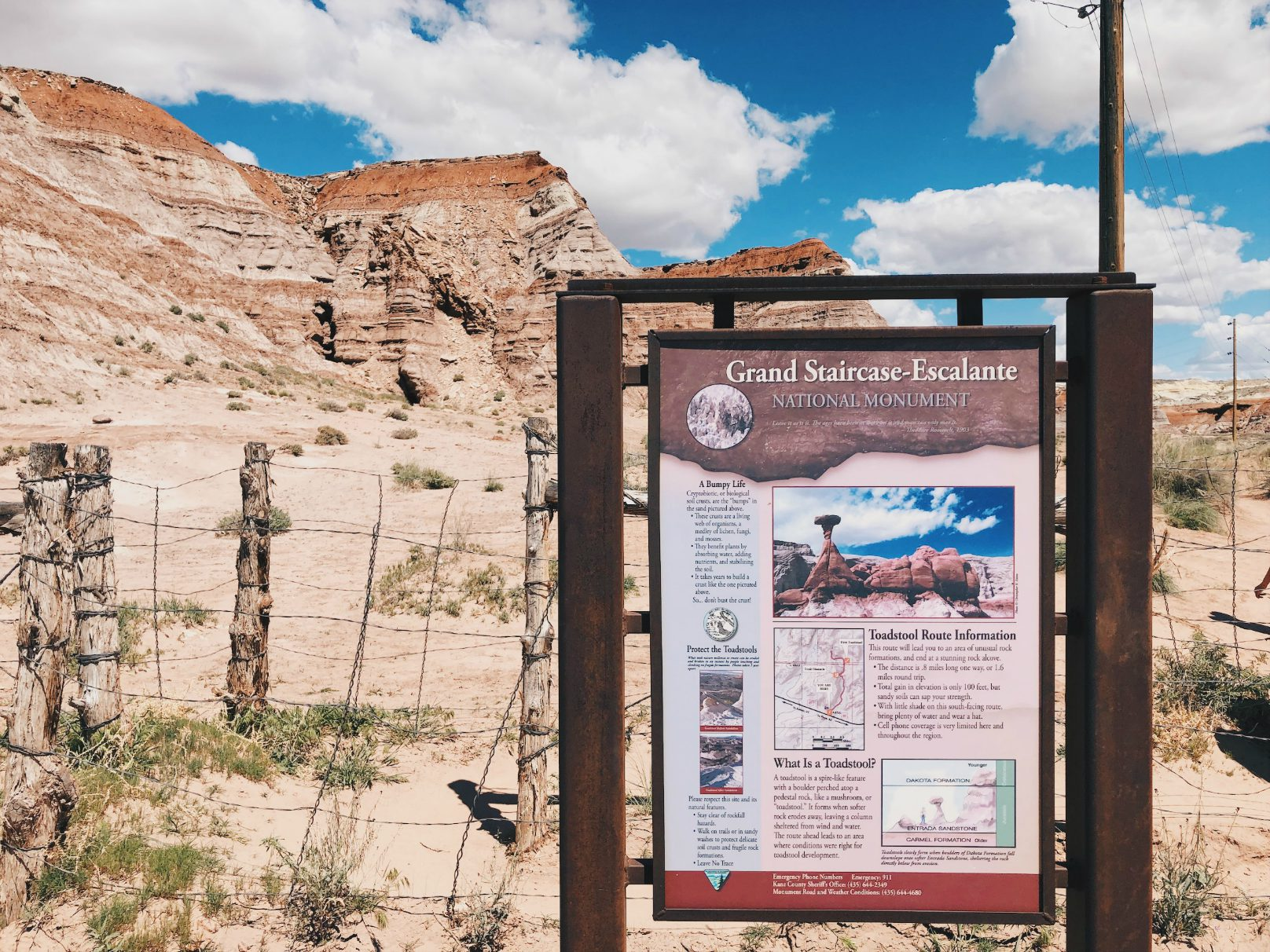 Grand Staircase-Escalante ja Toadstool Hoodoos polun alku (Utah)