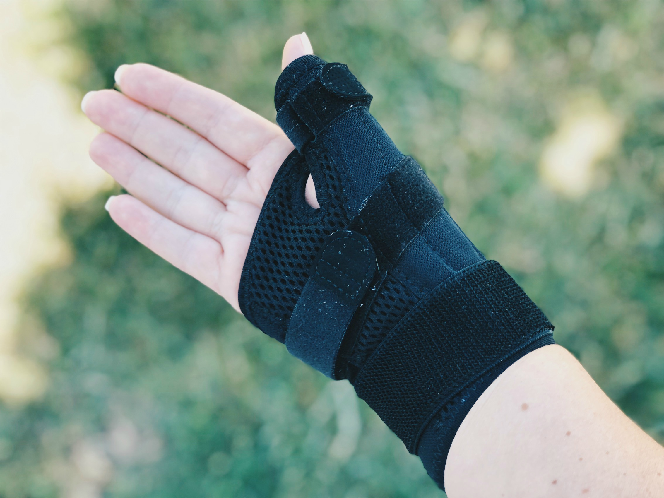 The rest of the trip I used this brace in order to keep my thumb still and let it heal.