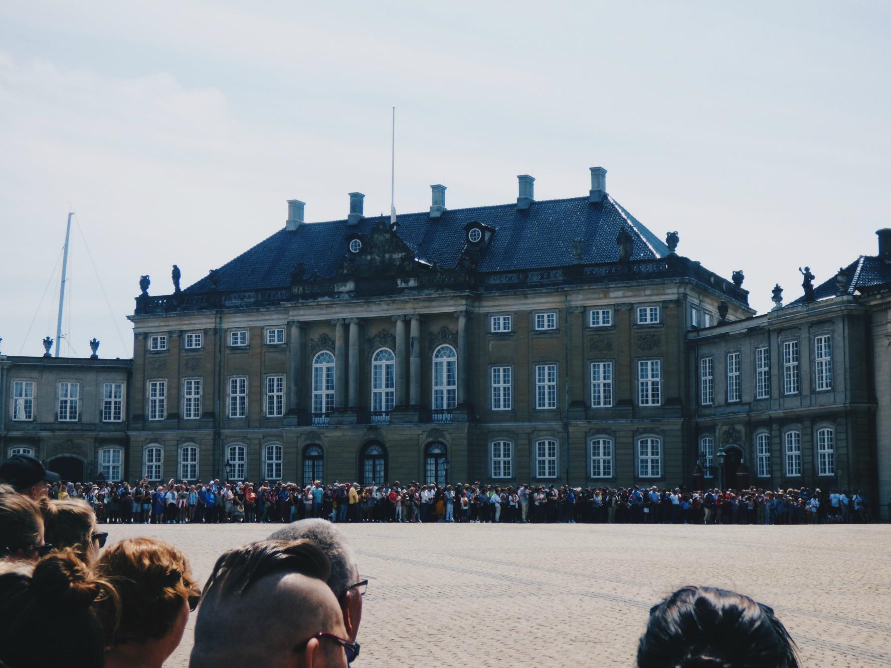 amalienborg_palatsi.jpg