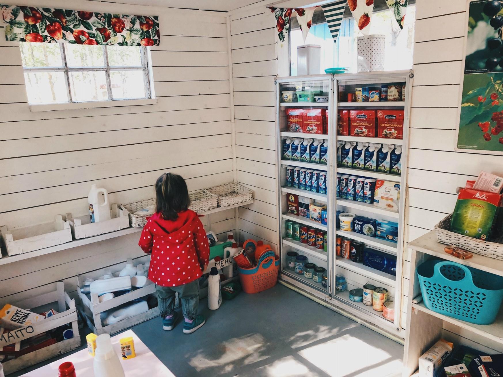 Leikkikaupassa on niin kiva leikkiä, että sieltä on vaikea lähteä pois