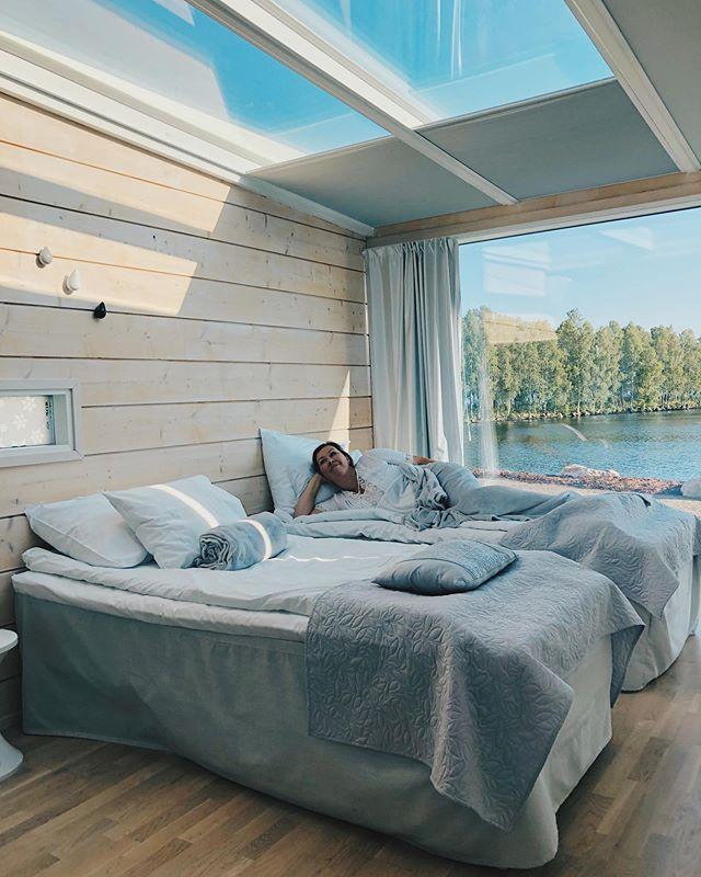 Is there a better way to enjoy Finnish summer and nightless nights than the glass villas?! This view never gets old! 🌞 ~ Voiko olla parempaa paikkaa nauttia valoisista illoista kuin huone joka on pelkkää ikkunaa! * * * * #kaupallinenyhteistyö #seasideglassvillas #kemi #visitkemi #experience365 #nightlessnight #midnightsun #finland #ourfinland #visitfinland #sun #glassvilla #oceanview #beautyofsuomi #suomi #matkablogi #travelling #travelgram #familytravelblog #familytravel #perhematkalla #europe