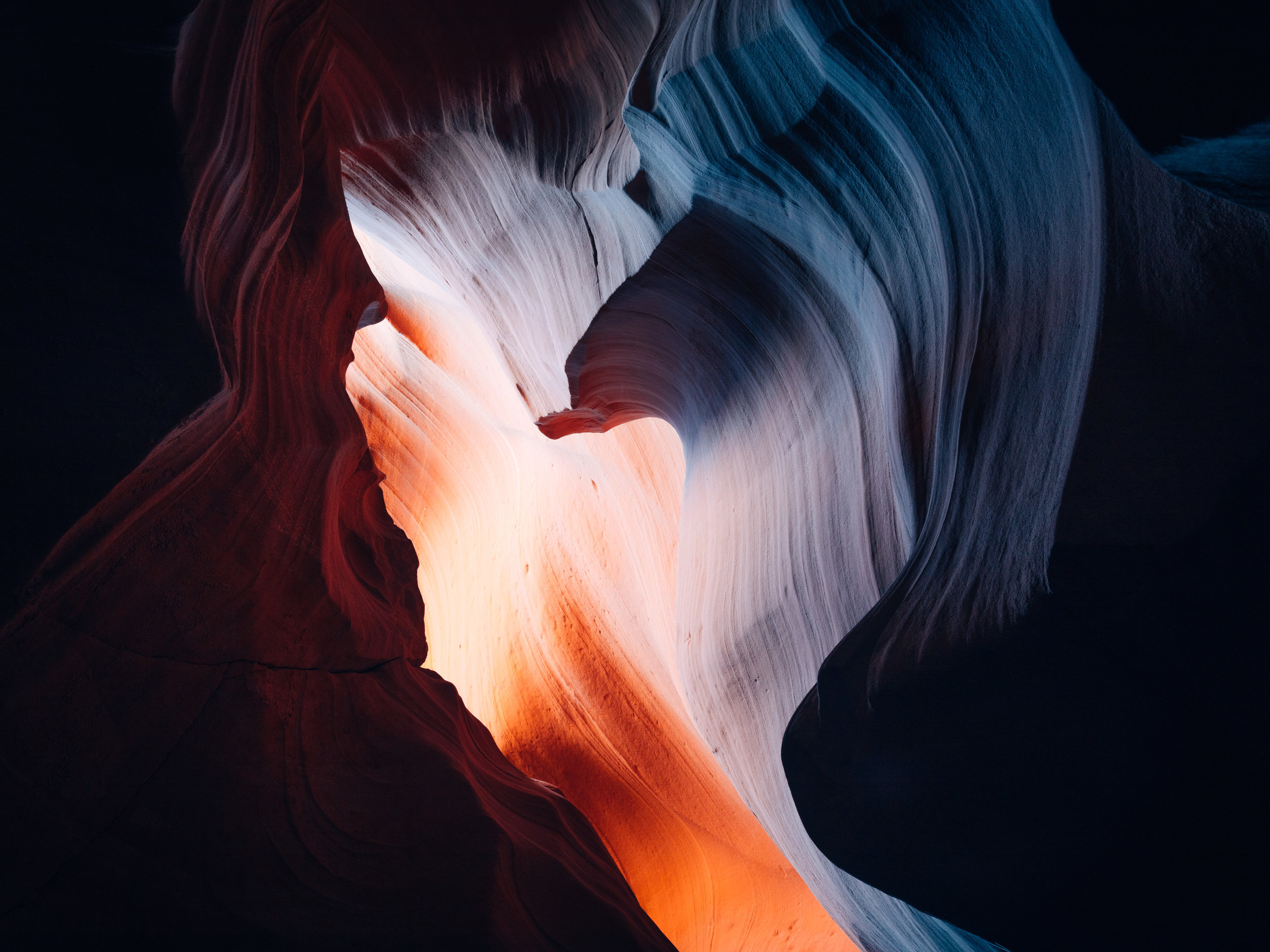 AntelopeCanyon_RoomFlipped.jpg