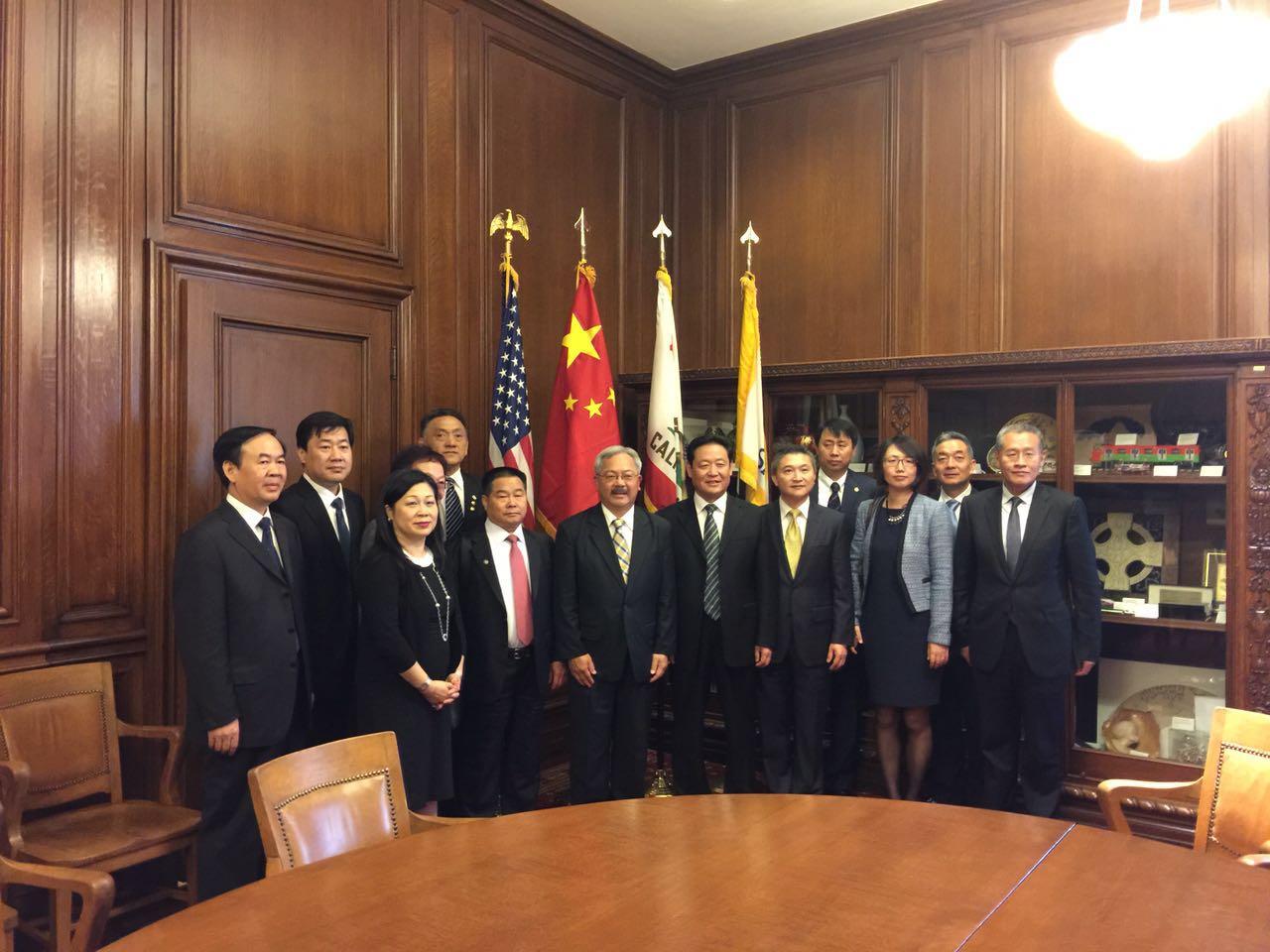 20151016 Shijiazhuang Delegation at City Hall (1).jpg