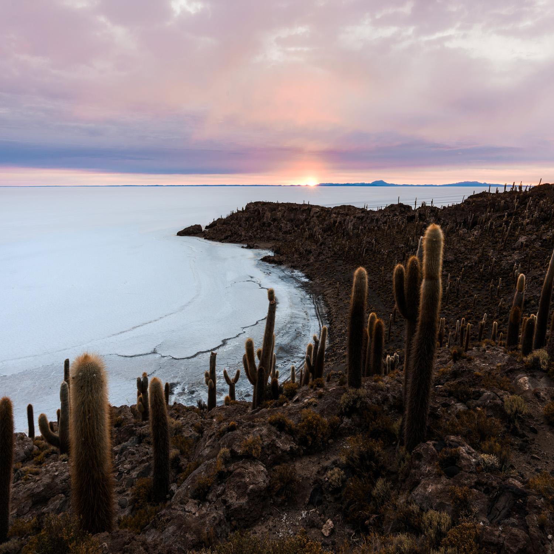 Sunrise over the Isla Incahuasi