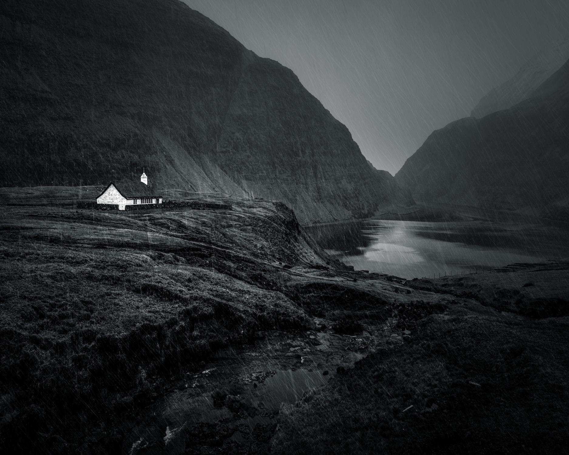 Saksun Church (monochrome)-2.jpg