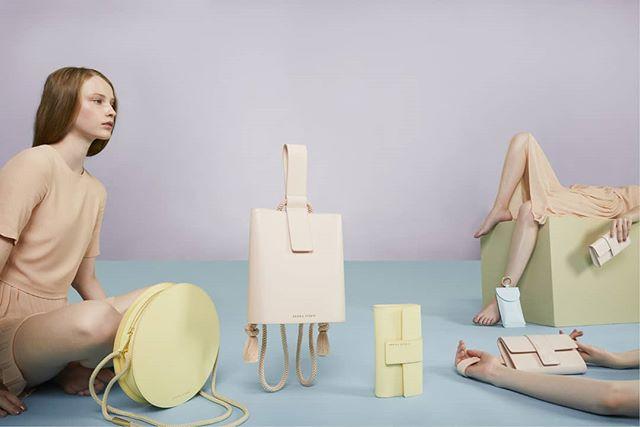 Campaign for @sonikastudio Nice bags, nice people and a lot of creative fun. Thanks for Sonika and all the crew. Model @ks.melinda mua&haird @barbarakeseru #fashioncampaign #reklamfoto #advertisingphotography #paris