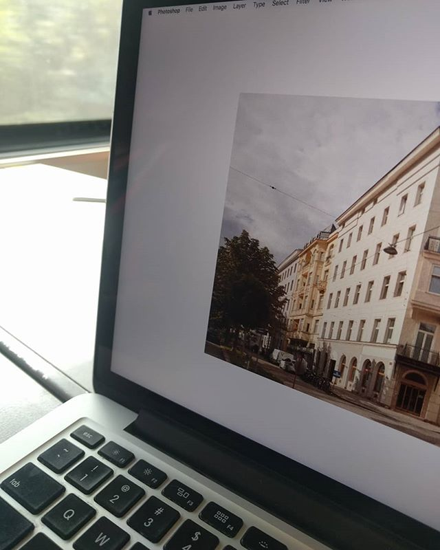 Next project in Vienna for Hotel Babula with one of my favourite graphic designer and cousin:) @peteroroszlany (btw I just love this train trips, so much relaxing.) #commercialphotography #vienna