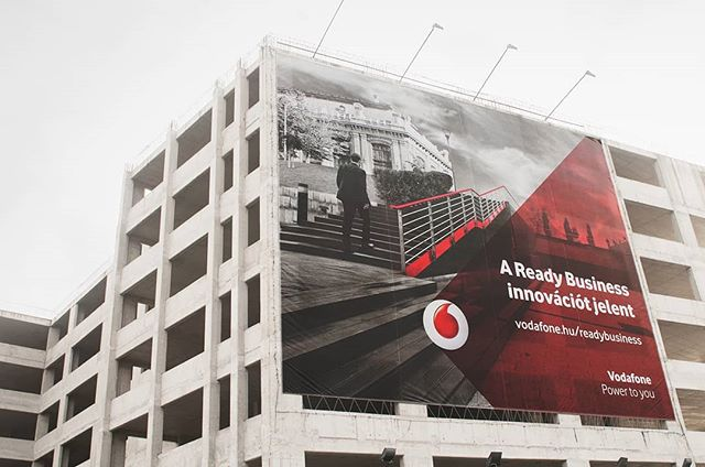 I photographed this campaign for Vodafone a few years ago. I loved that the agency gave me creative freedom. Thank you @artificial.group ! #advertisingphotography #vodafone #readybusiness #werbung #advertising #streetphotography #blackandwhite #reklamfoto #campaign