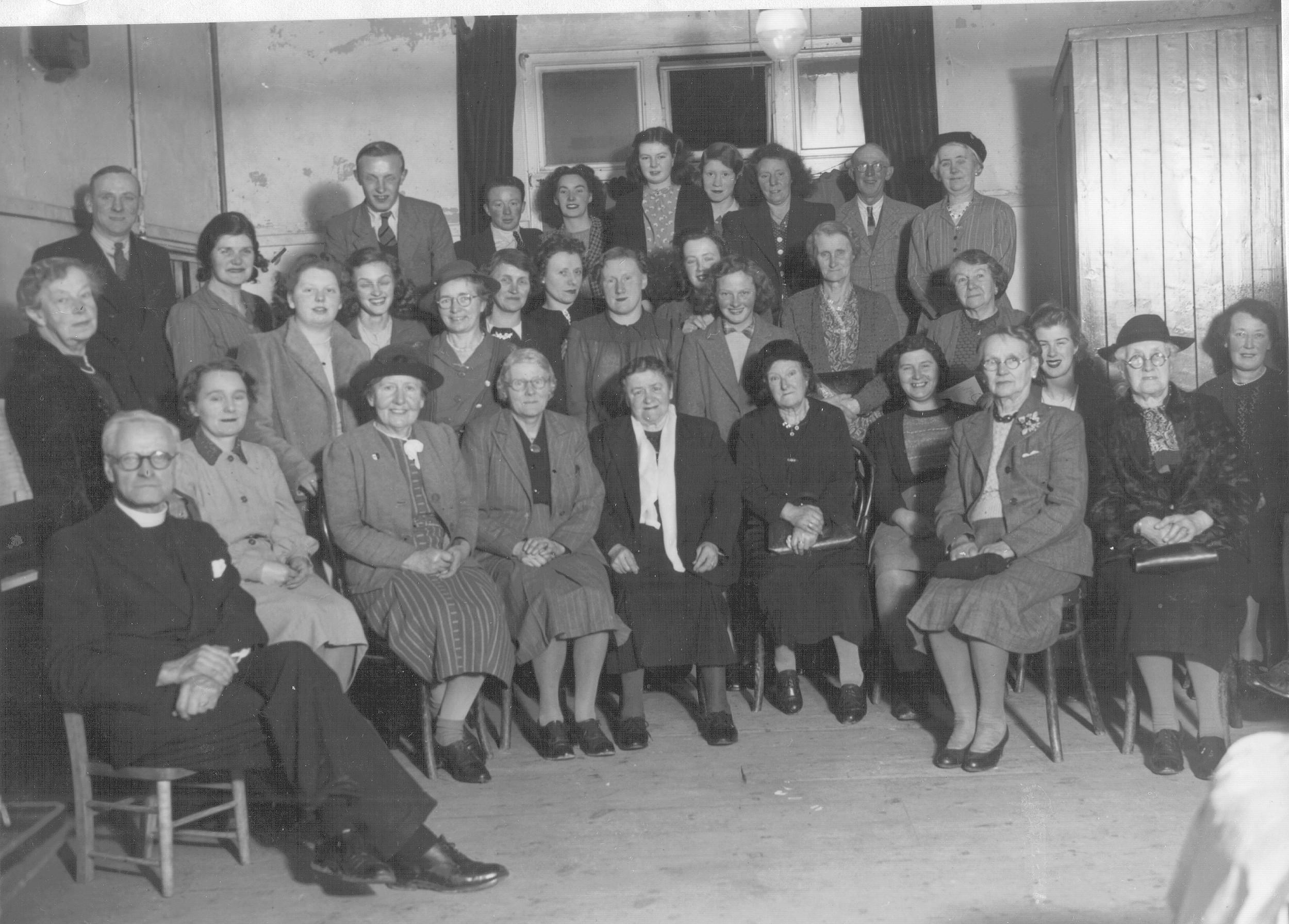 Christmas Party 1947 [15032677].jpg