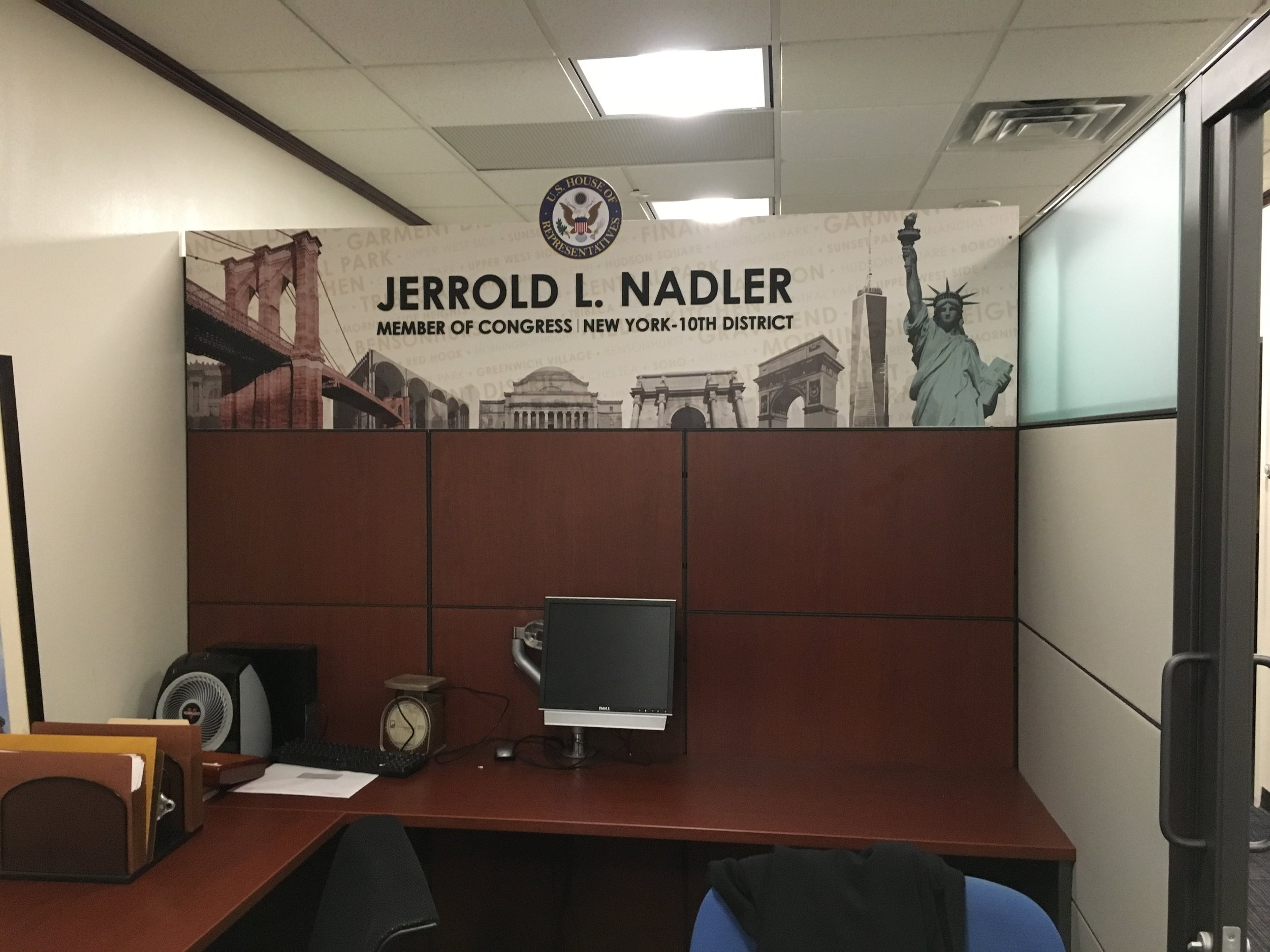 Today we had the pleasure to instal an dimensional sign for the Manhattan Office of Congressman Jerrold Nadler. It makes a great selfie sign for visitors to the office.