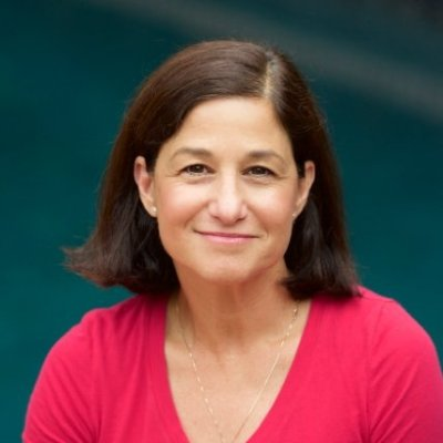 DENISE BENATAR  DtP S17 Facilitator  Denise is a seasoned design thinking facilitator, attorney and alum of Stanford.