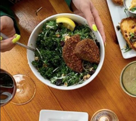 Burger Up - Chopped Kale Salad w/ Quinoa Patty