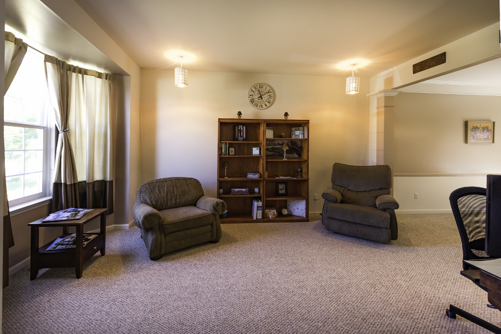 8277 Blue Jay, Ypsilanti Twp 48197 - Great Room
