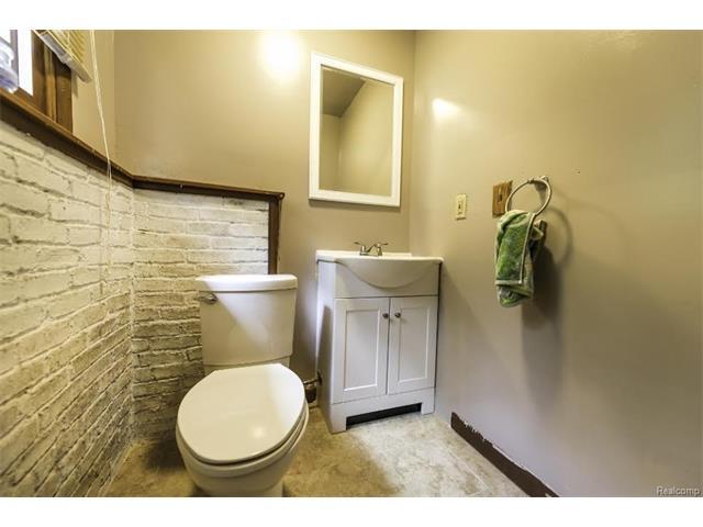 6520 CROFOOT Road, Iosco Twp 48843 - Bathroom