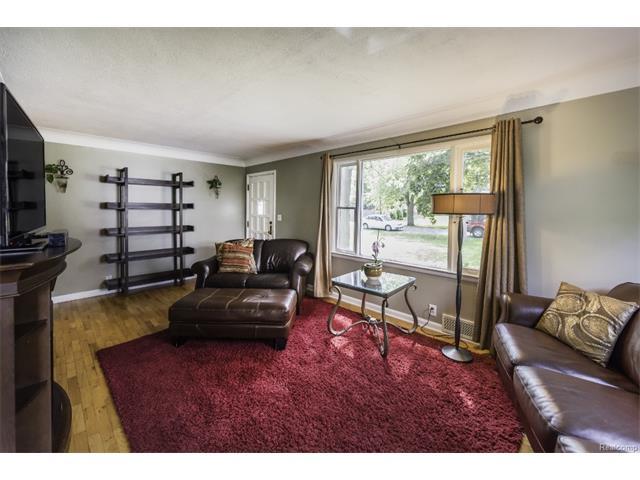 2418 MIDVALE Street, Ypsilanti Twp 48197 - Family Room