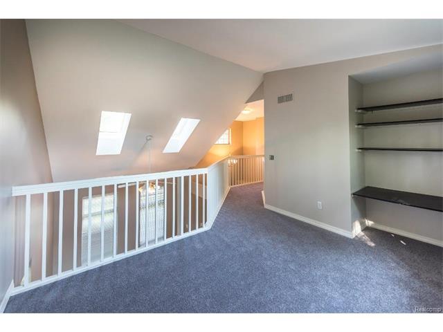 5397 Michael Drive, Ypsilanti Twp 48197 - Upstairs Balcony 2