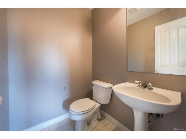 5397 Michael Drive, Ypsilanti Twp 48197 - Bathroom 4