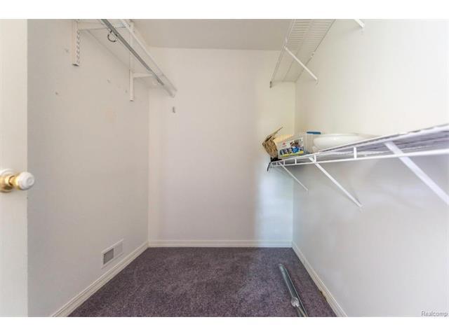 5397 Michael Drive, Ypsilanti Twp 48197 - Closet
