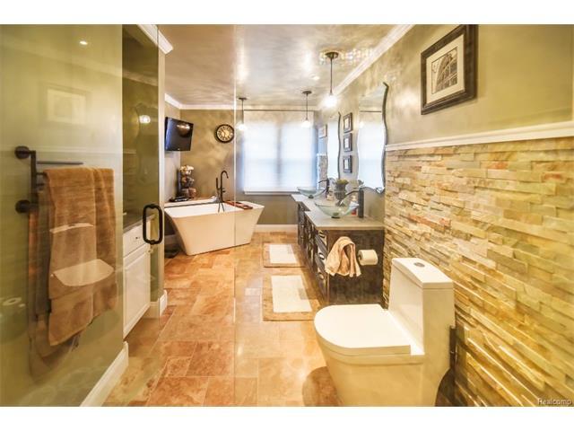Master Bathroom 7.jpeg
