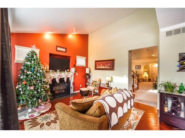 2046 Pine Lake Trail, Keego Harbor 48320 - Hinton Real Estate Group
