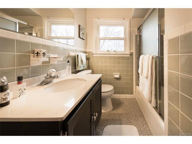 Bathroom 4 - 4371 Myron Avenue, Wayne 48184