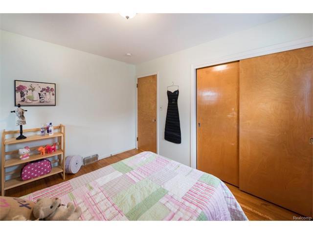 Bedroom 6 - 4371 Myron Avenue, Wayne 48184